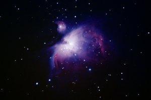 """Orionnebel M42: 6"""" f/5 Newton, Pentax K-500, 10 x 25 Sek., ISO 800, 18 x 25 Sek., ISO 1600, 1 x 25 Sek., ISO 3200 (12 Minuten 5 Sek.)"""