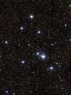 Messier 41: Offener Sternhaufen im Sternbild Großer Hund