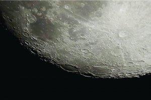 Mare Humorum, Schickard und Schiller: Mondlandschaft kurz vor Vollmond, 102/1300 mm MAK mit 2-fach Barlow, Pentax K-500, 23 x 1/20 Sek., ISO 100