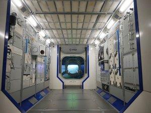 Besuch auf der ISS: Einblicke in den Astronauten-Alltag gibt das Modell des Raumlabors Columbus in der Ausstellung Space Expo