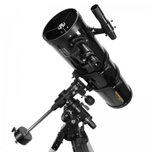 Newton-Reflektor mit 150 mm Öffnung (f/5)